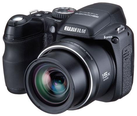 Fujifilm finepix s2000hd kamera bild for Appareil photo fujifilm finepix s2000hd