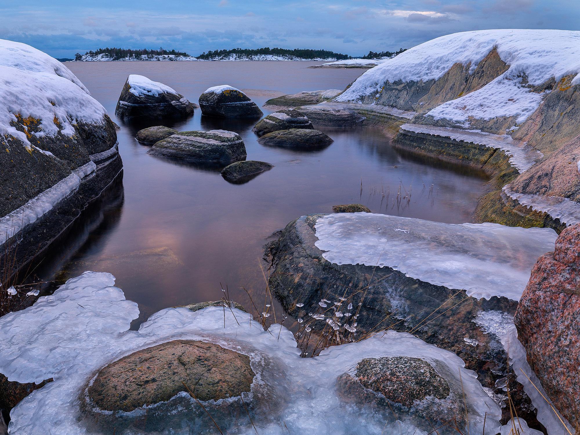 Isiga stenar vid Björnö.
