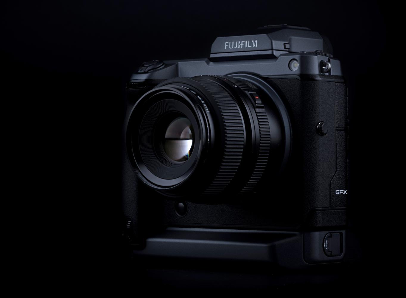 Fujifilm GFX 100: Read all about the new camera
