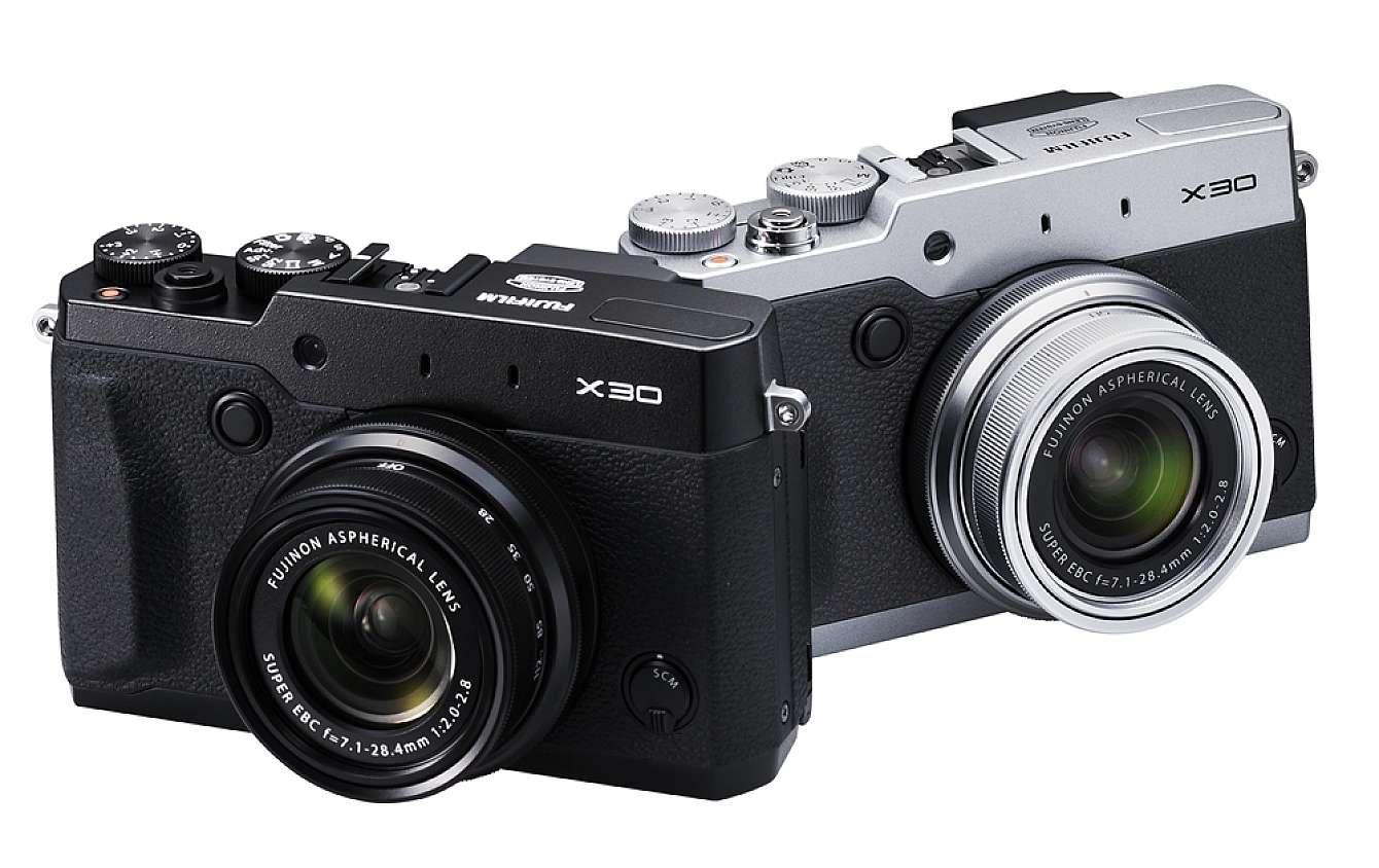 Fujifilm X30 i både svart och silver