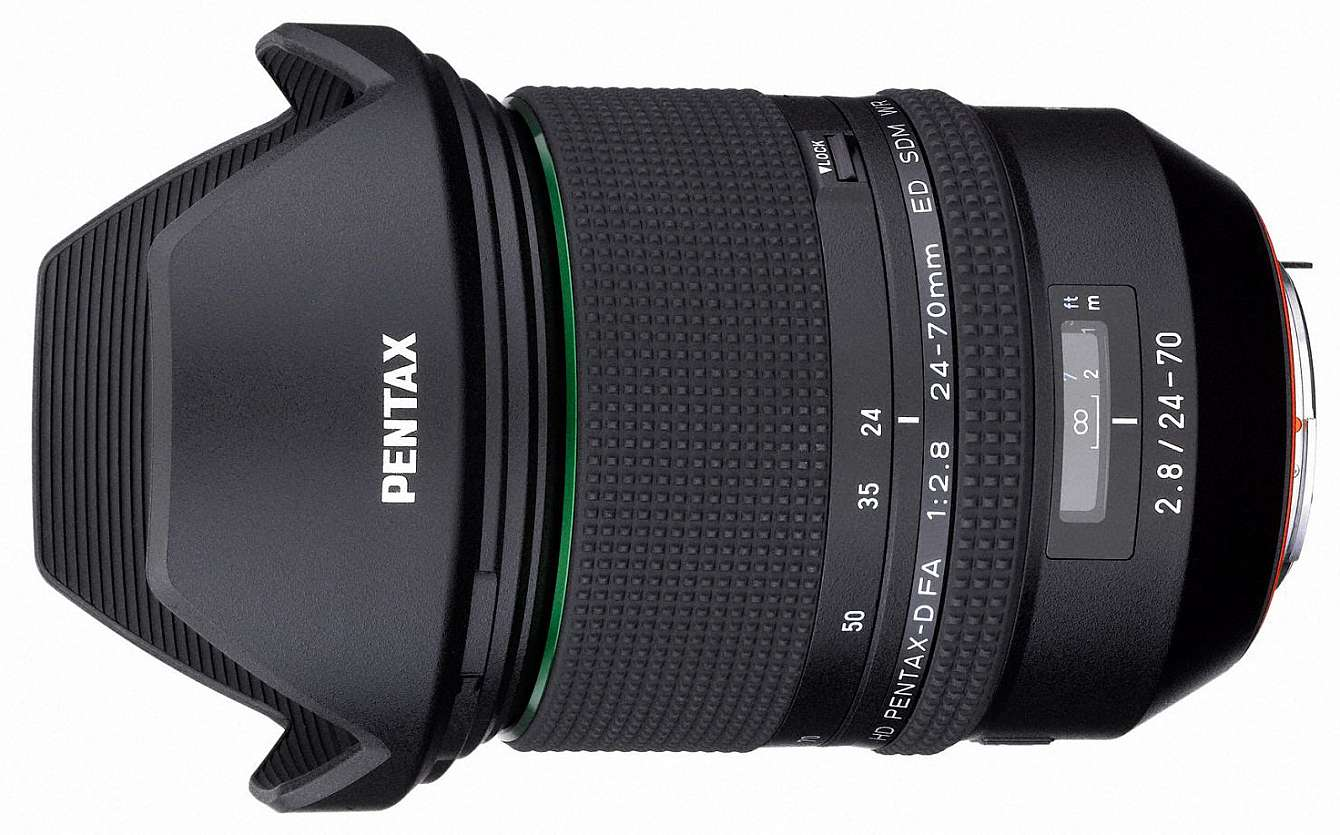 HD Pentax-D FA 24-70 F/2,8 ED SDM WR mot vit bakgrund